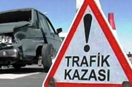 Akkuzulu Kavşağında Kaza: 2 Yaralı