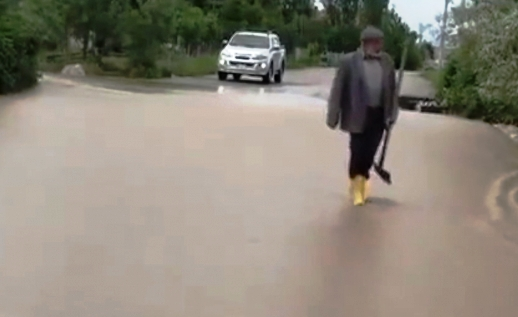 Sağanak Yağıştan Mahallemiz Zarar Gördü