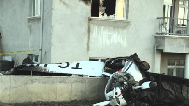 Esenboğa Eğitim Uçağı Düştü