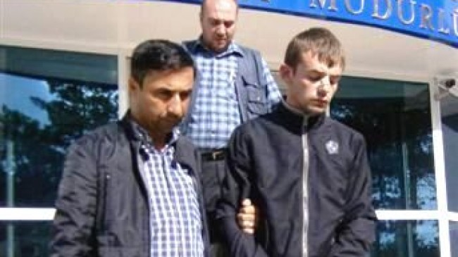 Bıçaklı Kavgada Arkadaşını Öldüren Liseli Tutuklandı