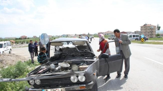Akkuzulu Kavşağında Trafik Kazası: 3 Yaralı