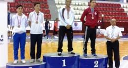 İzmir den Çubuk'a Altın Madalya