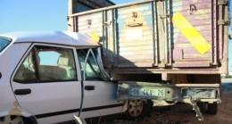Otomobil Kamyona Arkadan Çarptı: 1 Yaralı