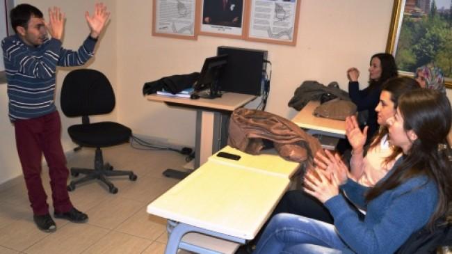 Engelli Eğitmenden Engelsiz Kurs