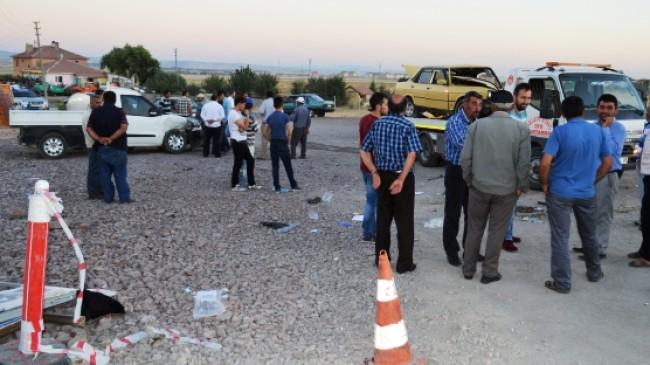 Akkuzulu Kavşağında Kaza: 5 Yaralı