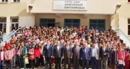Devlet Erkanı Akkuzulu'da Karne Töreninde