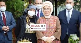 Cumhurbaşkanını eşi Emine Erdoğan turşu kurdu